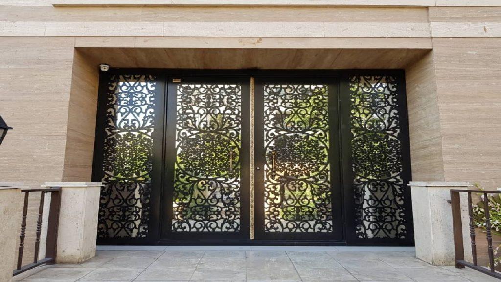 محافظت از درب های فلزی