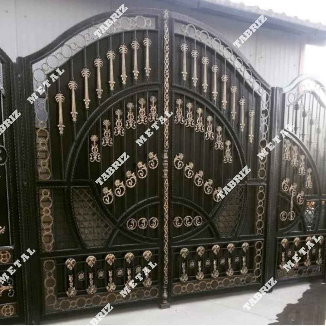 درب فرفورژه نخل مناسب برای ساختمان باغ ویلا
