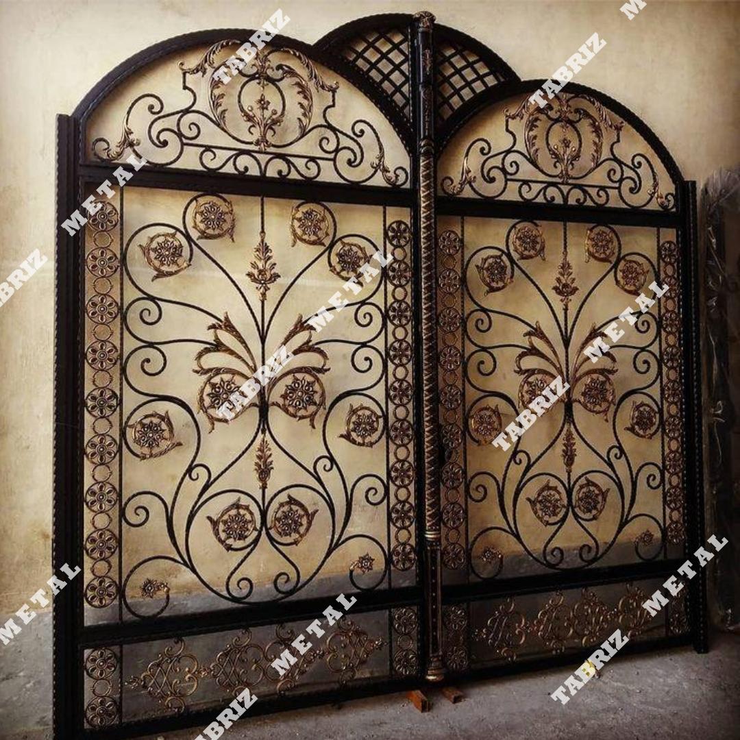 درب فرفورژه نسترن مناسب برای ساختمان باغ ویلا