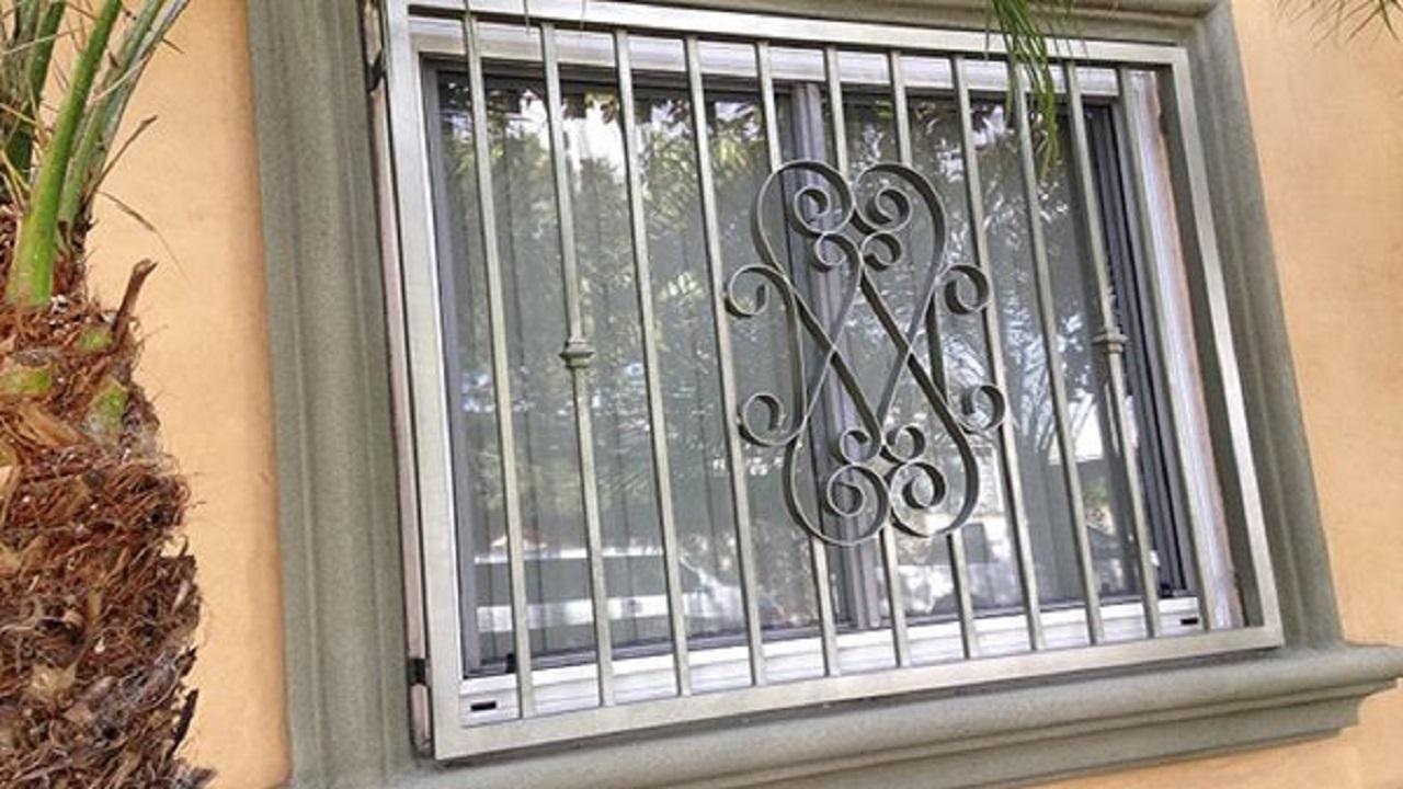 قیمت ساخت در و پنجره فلزی