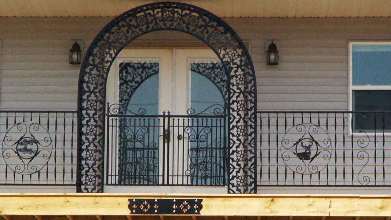 درب فلزی برش CNC در اصفهان